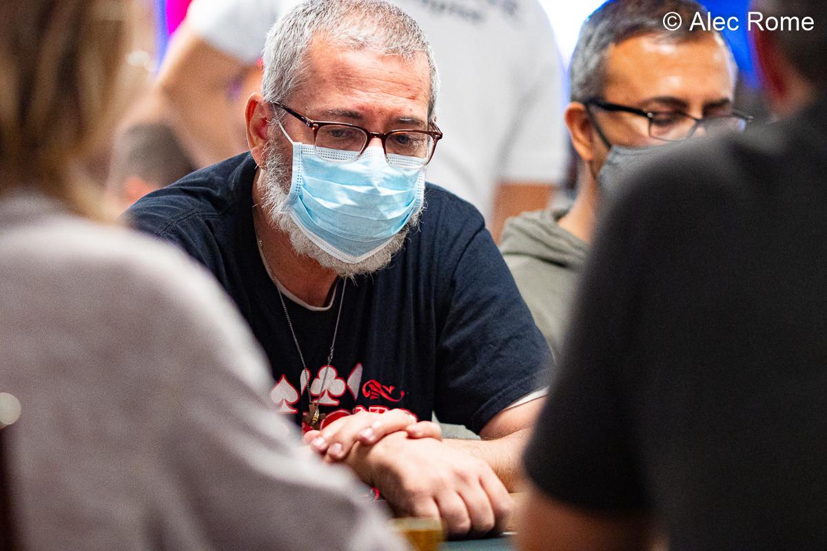 Pemain Poker Mengendarai Amtrak Cross Country untuk Bersaing di WSOP Pertama
